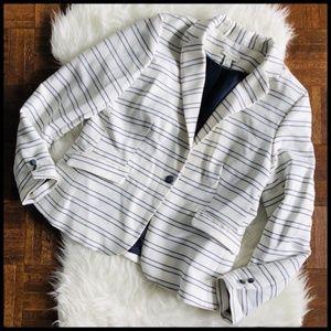 Adrienne Vittadini Large Blazer White Black Stripe